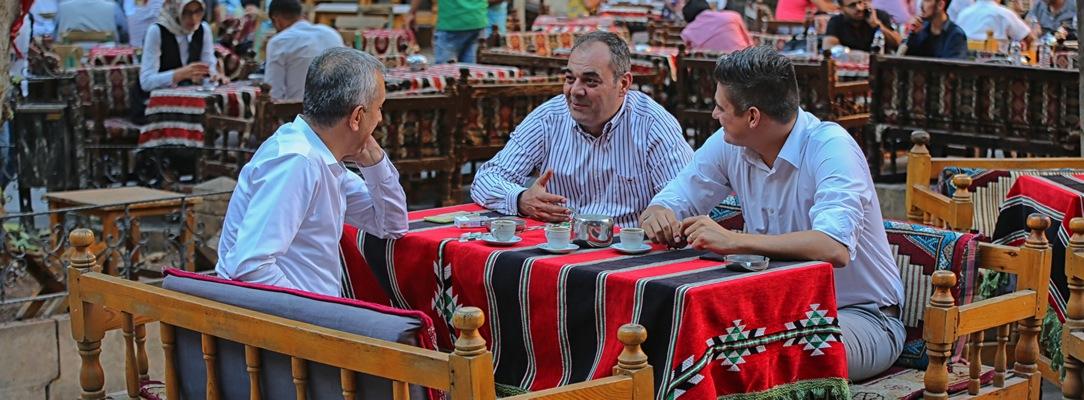 Drink tea & coffee in Gümrük Han