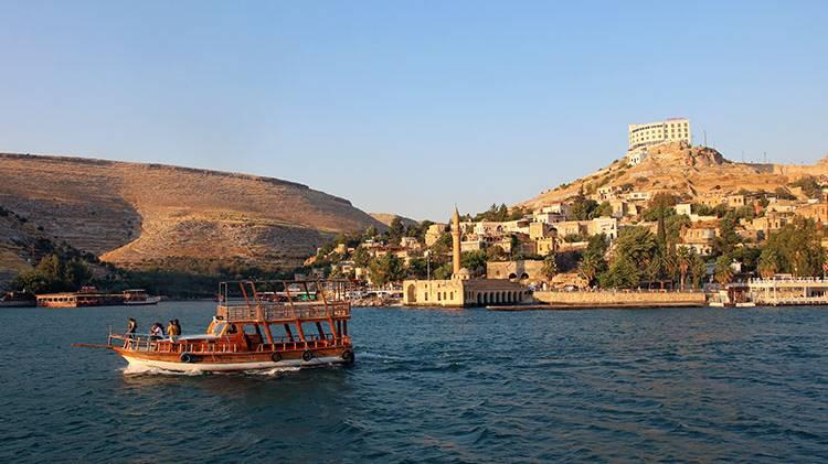 Halfeti'de Tekne Turu Yapın