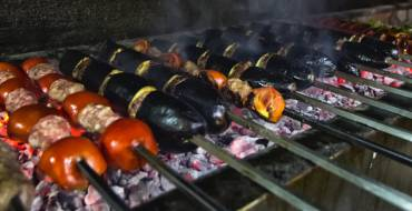 Urfa Usulü Yemek Yiyin